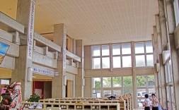 宜野湾市立普天間中学校校舎