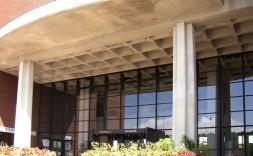 嘉手納庁舎・町民会館(かでな文化センター)