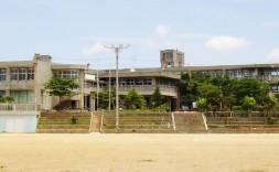 金武町立金武中学校校舎