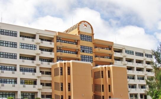 沖縄国際大学5号館