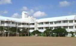 県立前原高校校舎