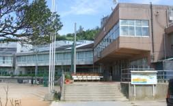 うるま市立高江州中学校校舎